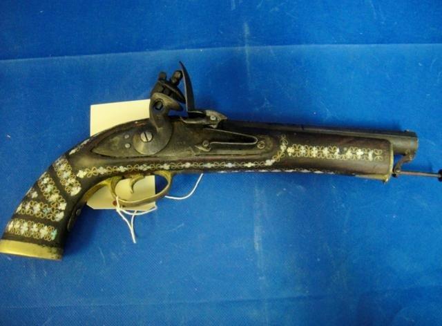 7B: OLD ANTIQUE GUN FROM 1819