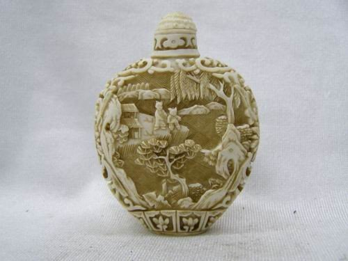 9: CHINESE OX BONE CARVED OLD PICTURES SNUFF BOTTLE