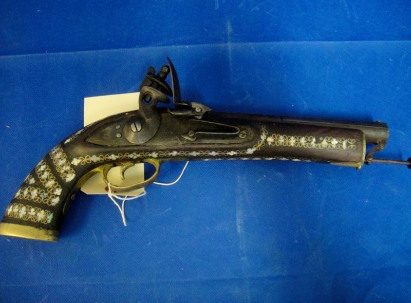 7B: OLD ANTIQUE GUN FROM 1819 W401