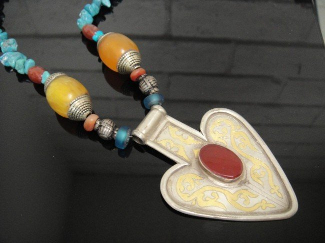 2D: Vintage Sterling Silver Handmade Turquoise Necklac