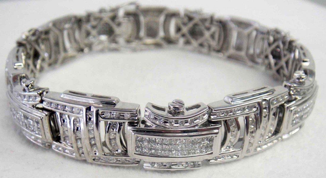 48A: Gents 7.00ctw Diamond Bracelet 14KT White Gold