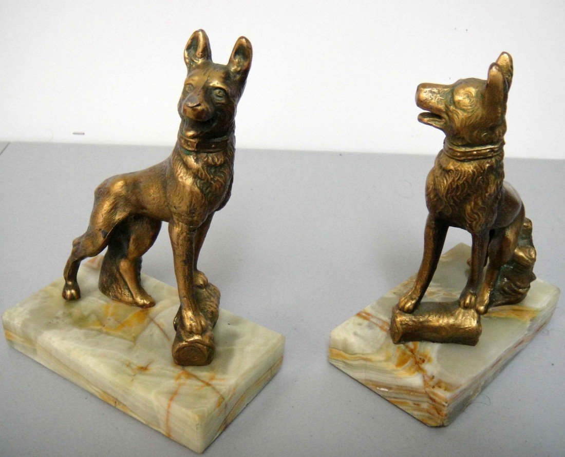 3D: Vintage Pair of Dog Bookends With Marble Base Book
