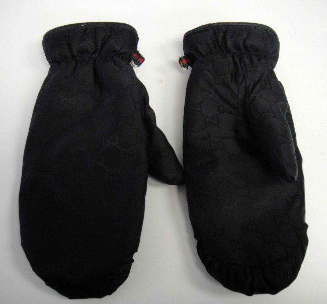 110A: Genuine Authentic Gucci Woman's Snow Mittens