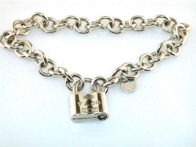 3C: ESTATE TIFFANY & CO 925 STERLING SILVER LOCK BRACEL