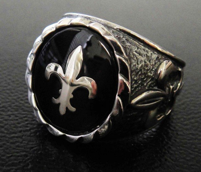 15C: Polished Sterling Silver Coat of Arms Symbol Ring