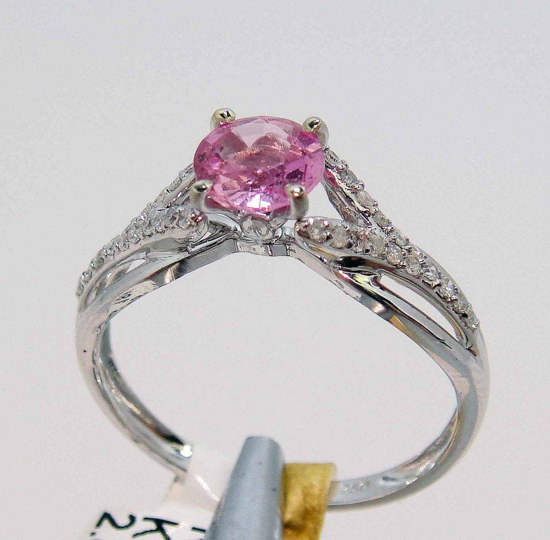 0.77ct Pink Sapphire & 0.13ct Diamond 18KT Gold Ring