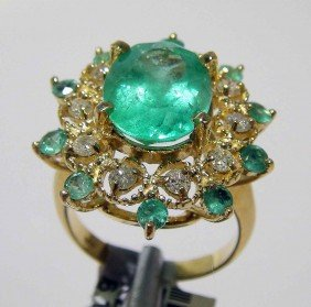 4.05ct Emerald & 0.40ct Diamond 14KT Gold Ring