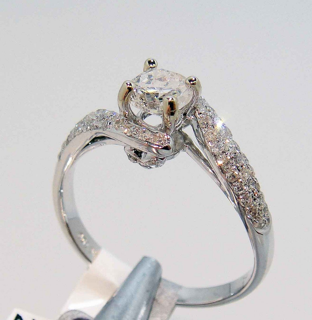 0.86ct (0.58ct CNTR) Diamond 18KT White Gold Ring
