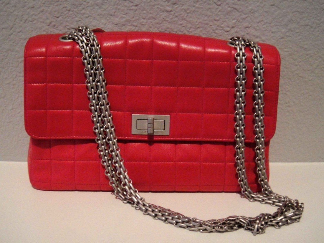 1G: Authentic Chanel Pink Sue Ladies Handbag w/ Dustbag