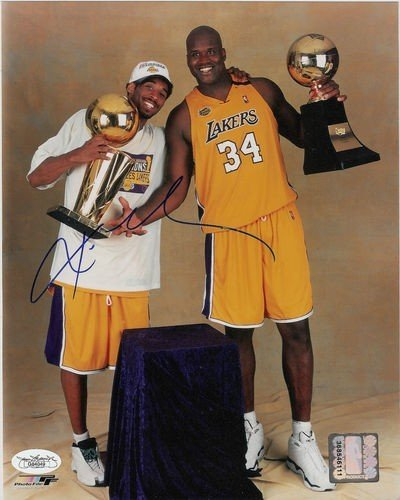 3A: Lakers Kobe Bryant Signed Photo 8x10 Autographed J