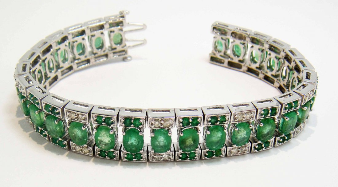 2R: 21.87ct Emerald & 1.02ct Diamond Silver Bracelet