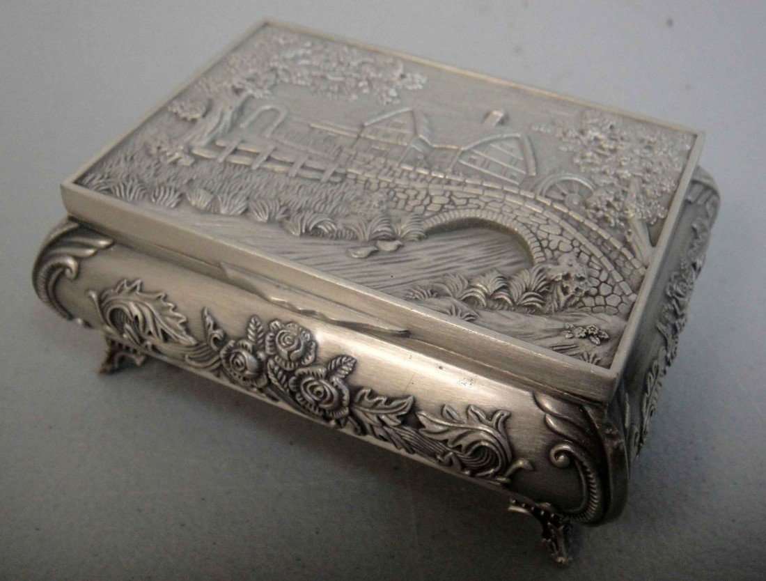 3C: Beautiful tibet silver carved House Rose jewelry bo