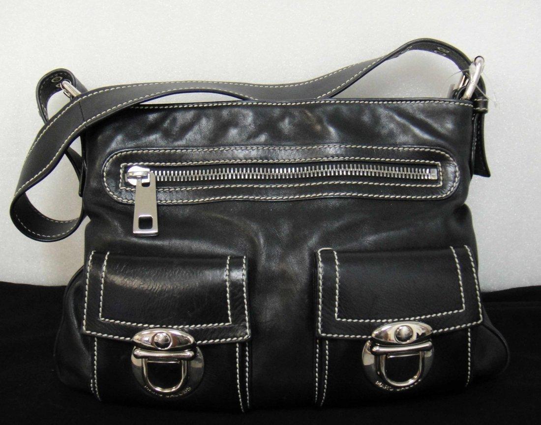 38: Genuine Marc Jacobs Black leather handbag with poc