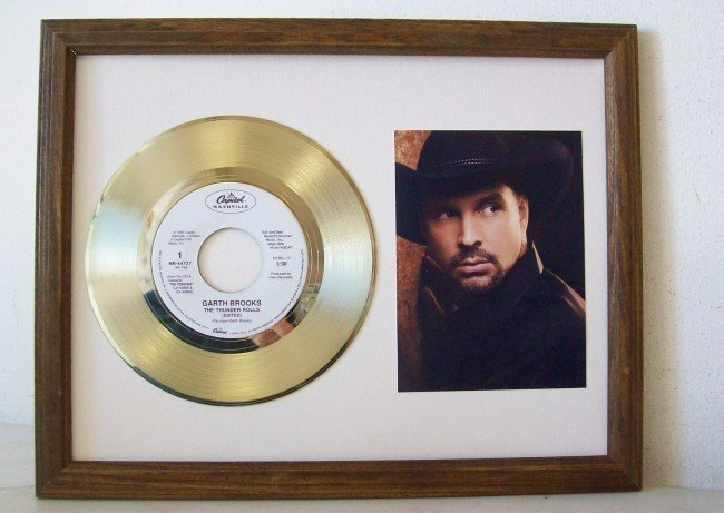 46: Garth Brooks The Thunder Rolls Record LP Disc Viny