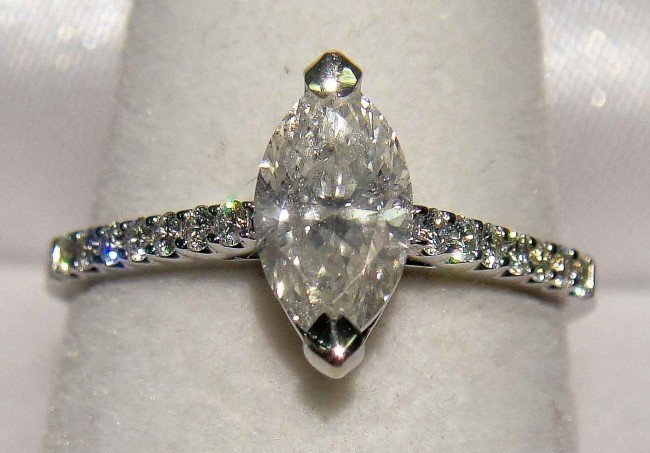 80B: 133C: 1.04ctw Diamond 18KT White Gold Ladies Ring