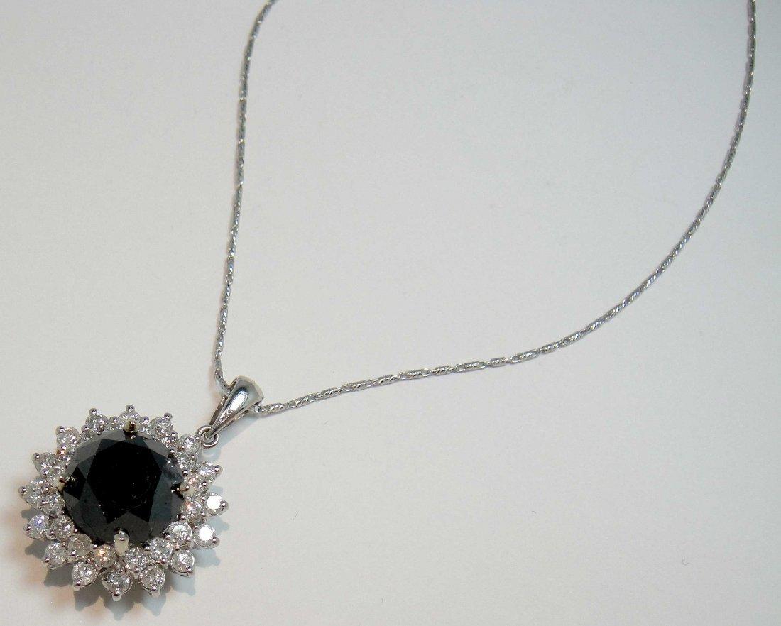 7.80ct (6.65ct CNTR) Black/White Diamond 14KT Gold Pend