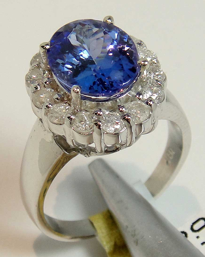 3.19ct Tanzanite & 0.71ctw Diamond 18KT White Gold Ring