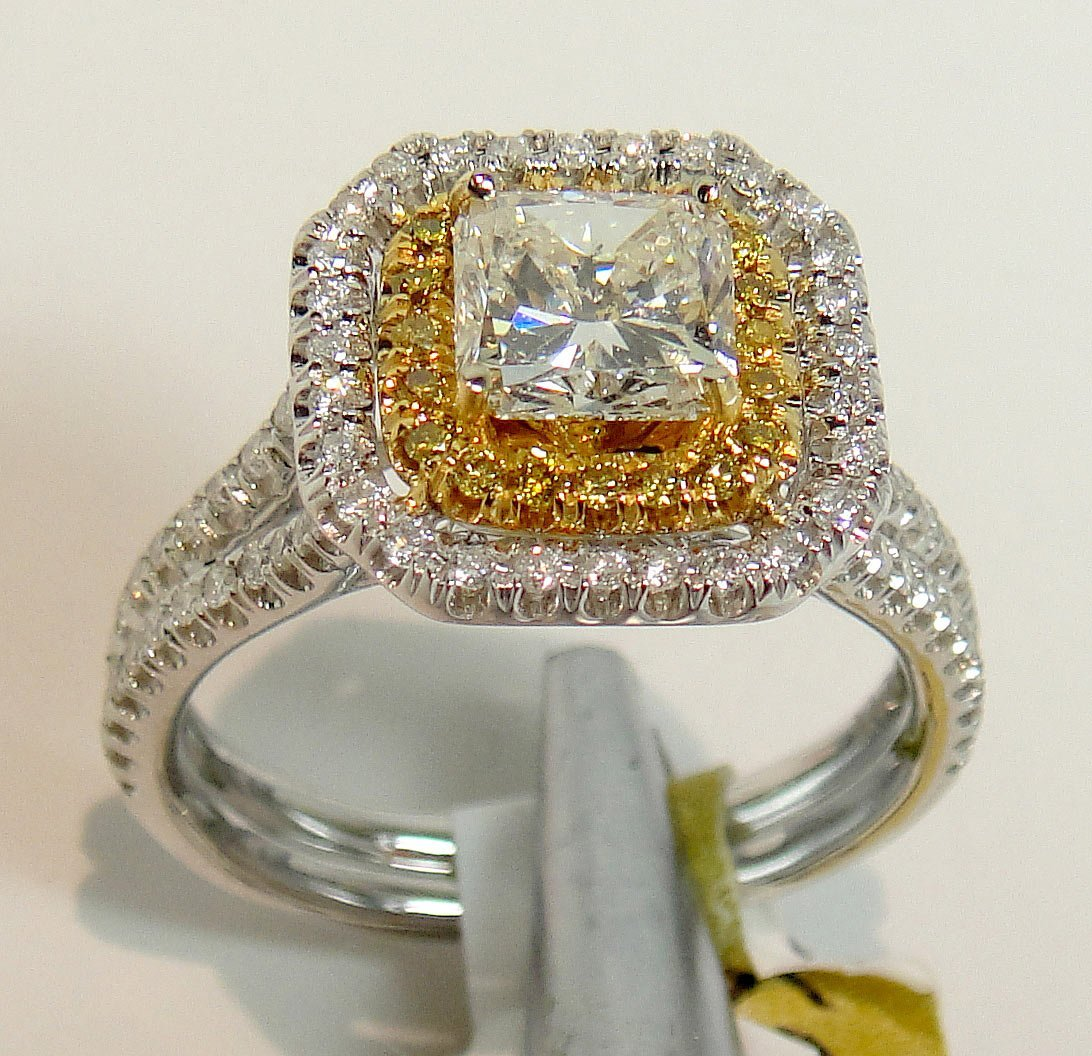 1.54ctw (0.97ct SI-2 J CNTR) Diamond 18KT Gold Ring