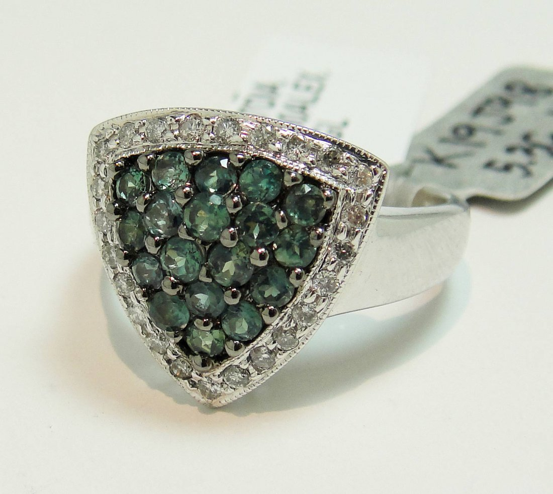 1: 0.90ctw Alexandrite & 0.27ctw Diamond 14KT Gold Ring