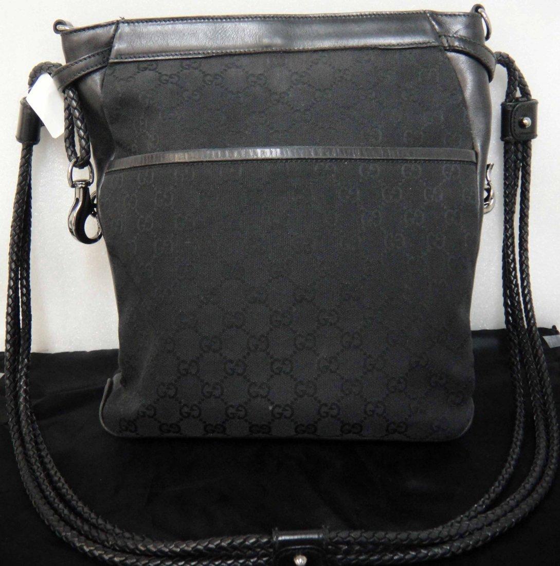 1V: Genuine Gucci Black Messanger Tote Handbag