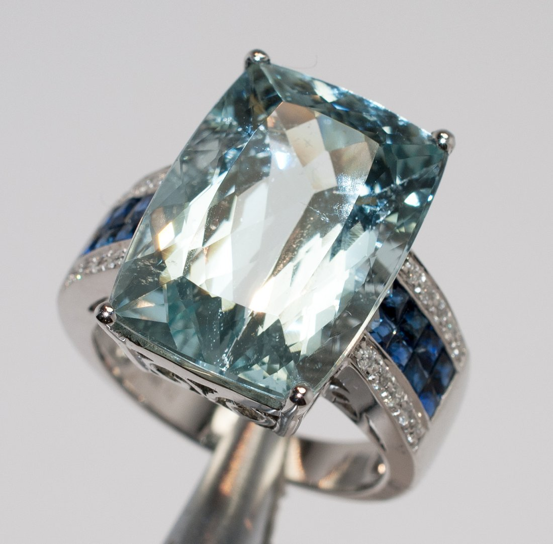 15.97ct Aquamarine & 1.17ctw Diam/Sapphire 14KT Ring