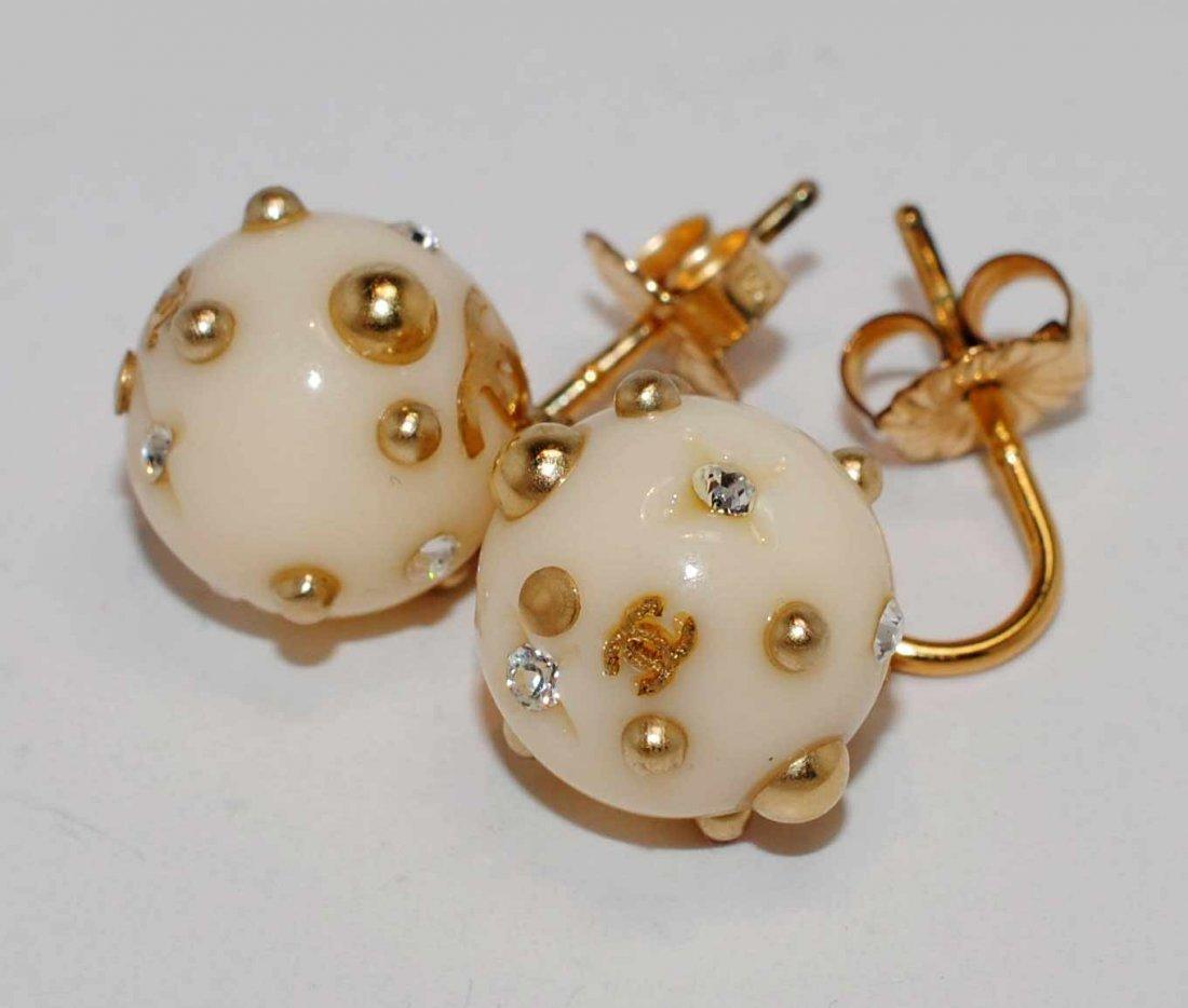 Genuine Chanel Round Ladies Dangle Earrings