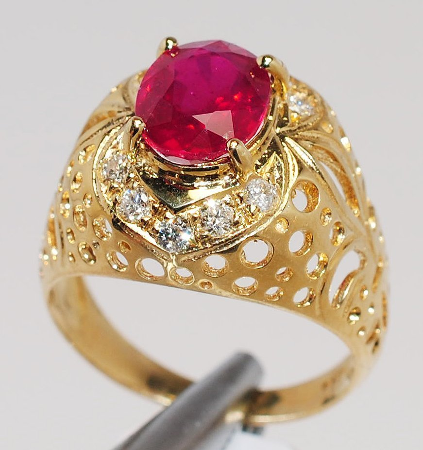 3A: 2.72ct Ruby & 0.34ctw Diamond 14KT Gold Ring