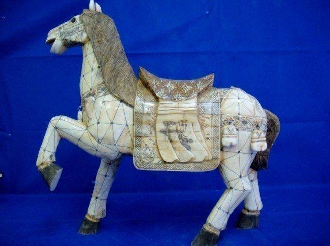 5A: 20'' Handmade OX BONE HORSE WITH BEAUTIFUL DETAIL