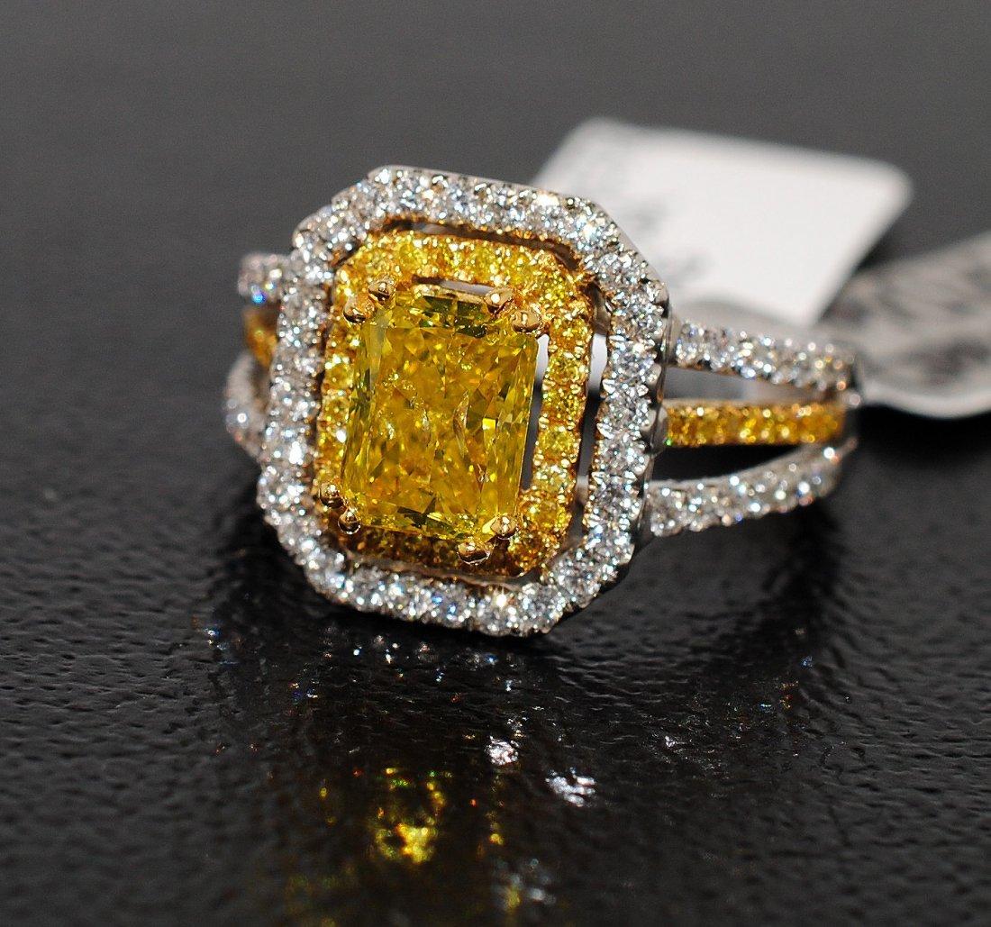 2.52ctw (1.51ct CNTR) Diamond  22KT & 18KTW Gold Ring