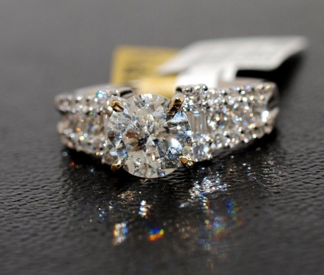 1Z: 3.49ctw (2.71ct SI-2 CNTR) Diamond 18KT Gold Ring
