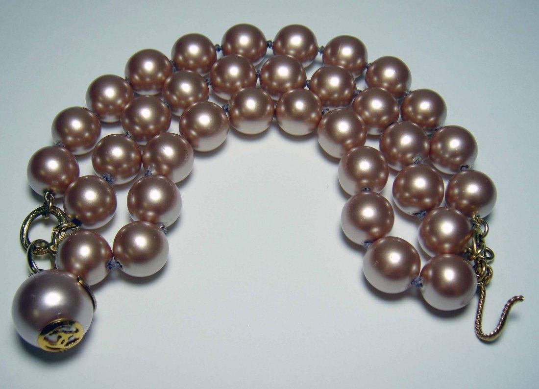 1CB: CHANEL Pink Pearl Ladies Bracelet