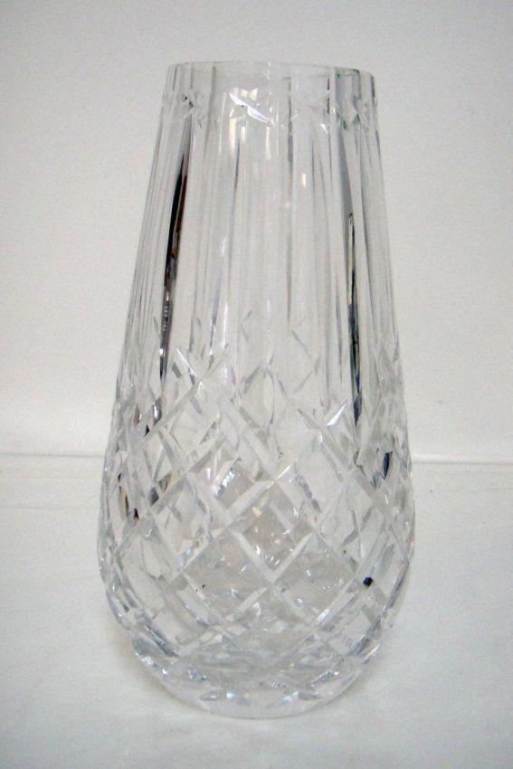 """2B: Beautiful Crystal Embossed Flower Vase 9"""" x 5"""""""