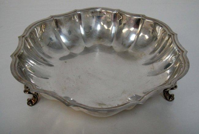 3B: Decorative Silver Plated Three-legged Bowl 10 x 2.5