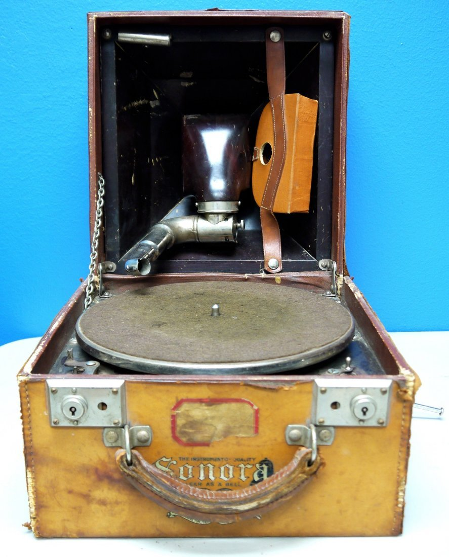 Antique Sonora Phonograph Clear as a Bell 1915