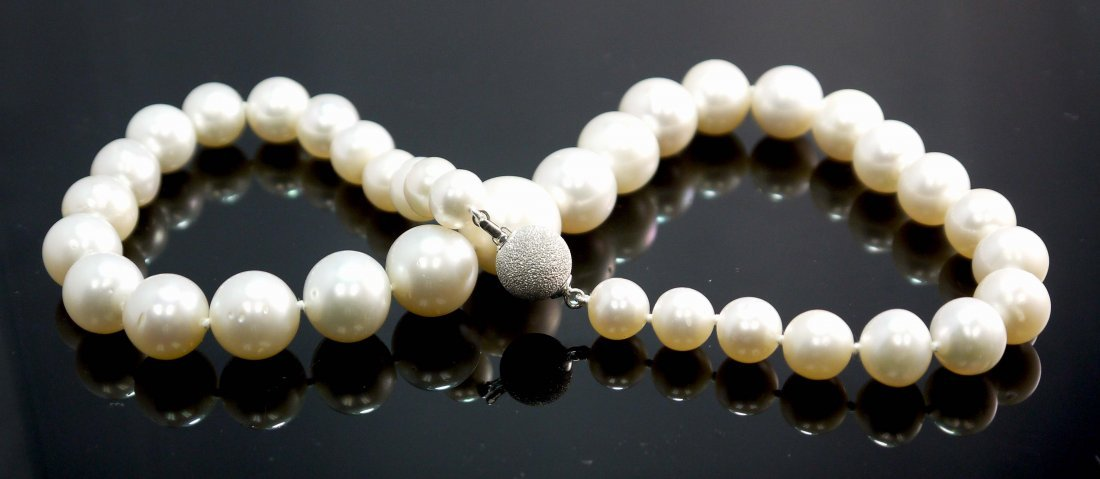 Graduating Fresh Water Pearl Necklace with 14KT White G