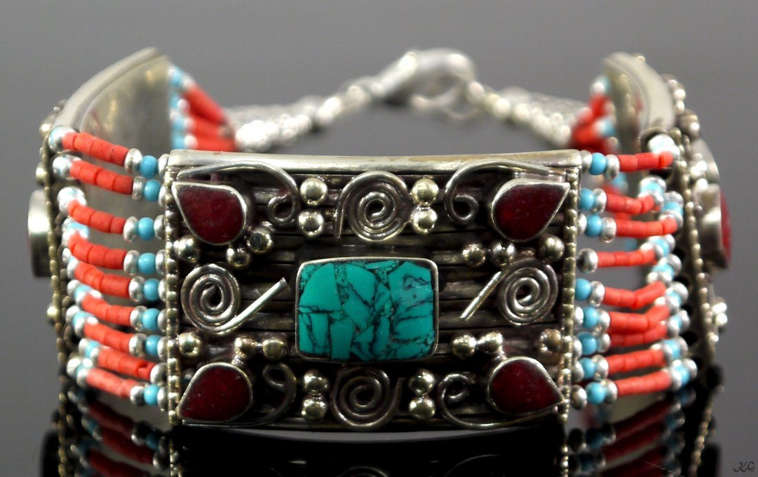 222ct Coral and Turquoise Bracelet
