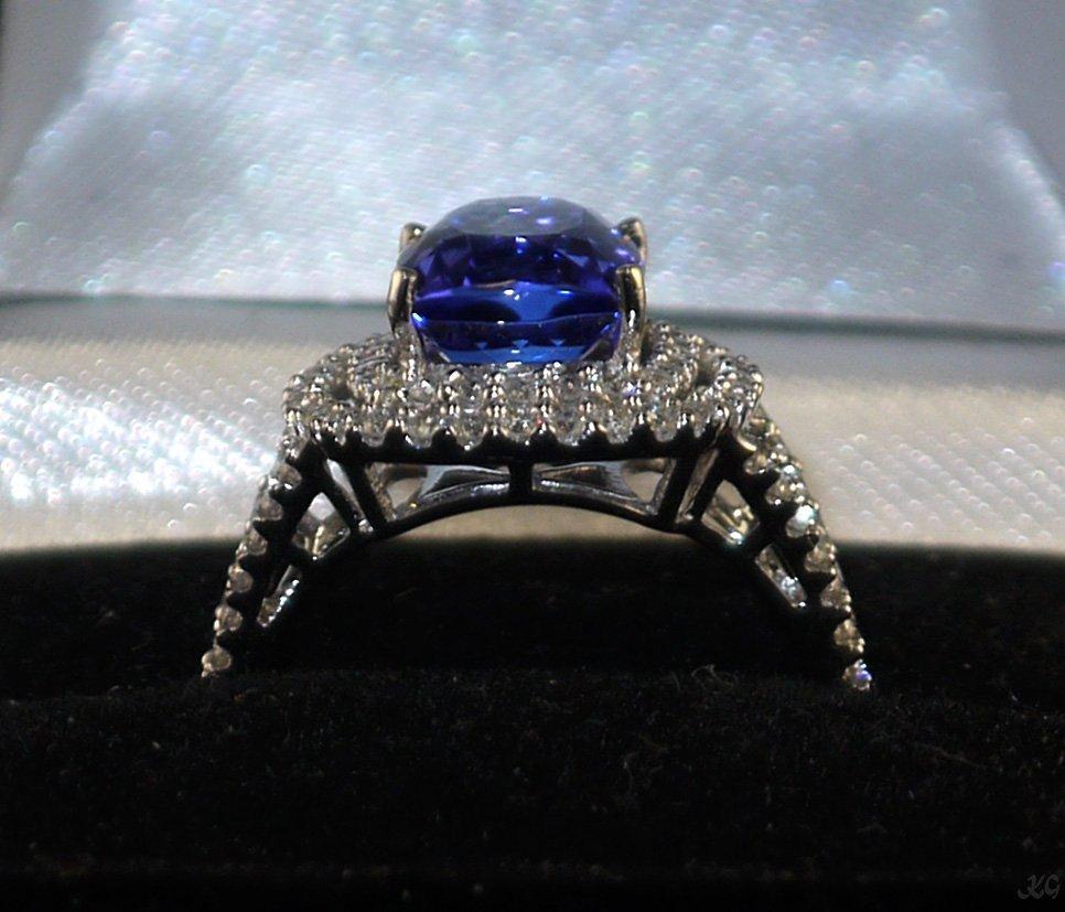 14kt White Gold 4.01ct Tanzanite 0.77ct Diamond Ring