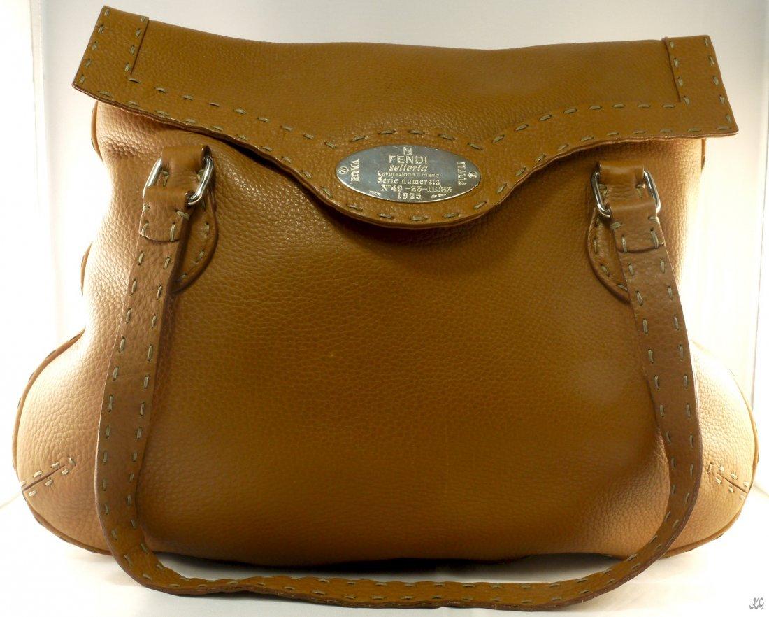 FENDI Leather Purse W498