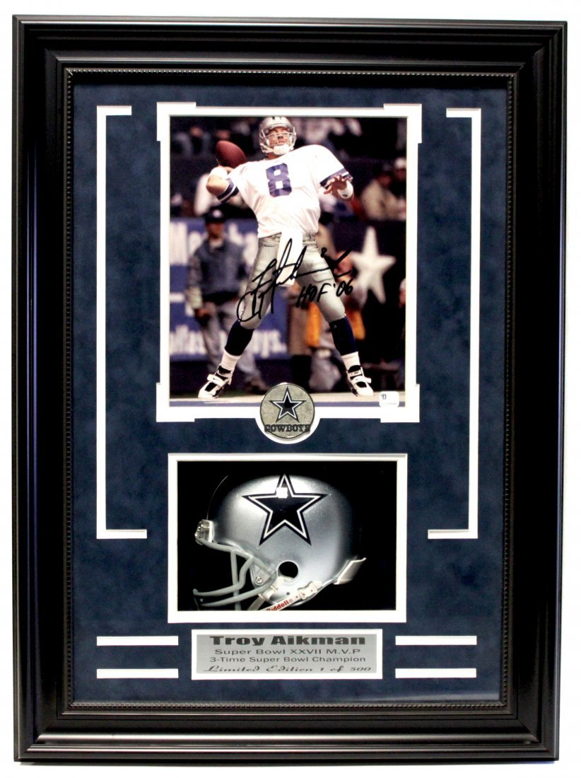 Troy Aikman Signed Photo (FRAMED) LG1125