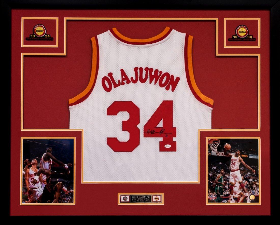 Hakeem Olajuwon Signed Jersey (Framed)