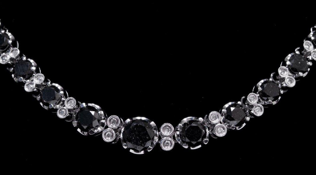 14kt WhiteGold Black & White Daimond Necklace K12J419