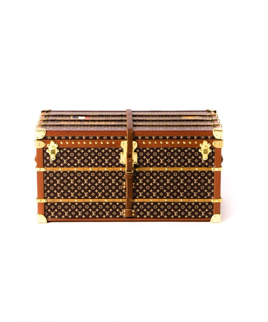Louis Vuitton Mini Trunk Miss France Paperweight WX1770