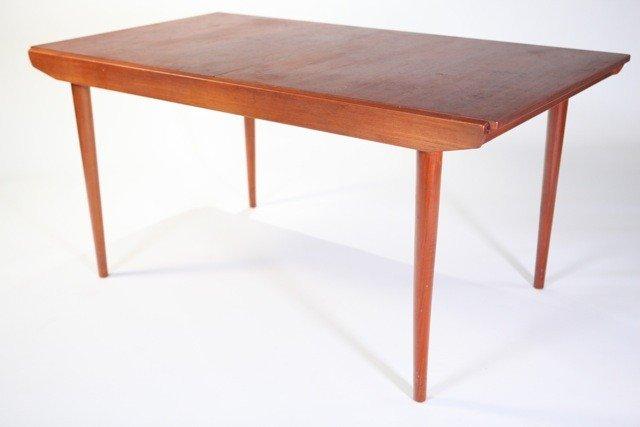 6A: Hans Wegner - Extension Dining Table