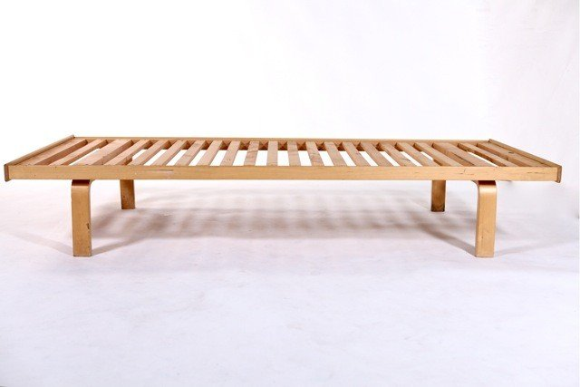 82A: Alvar Aalto  - #710 Daybed - 2