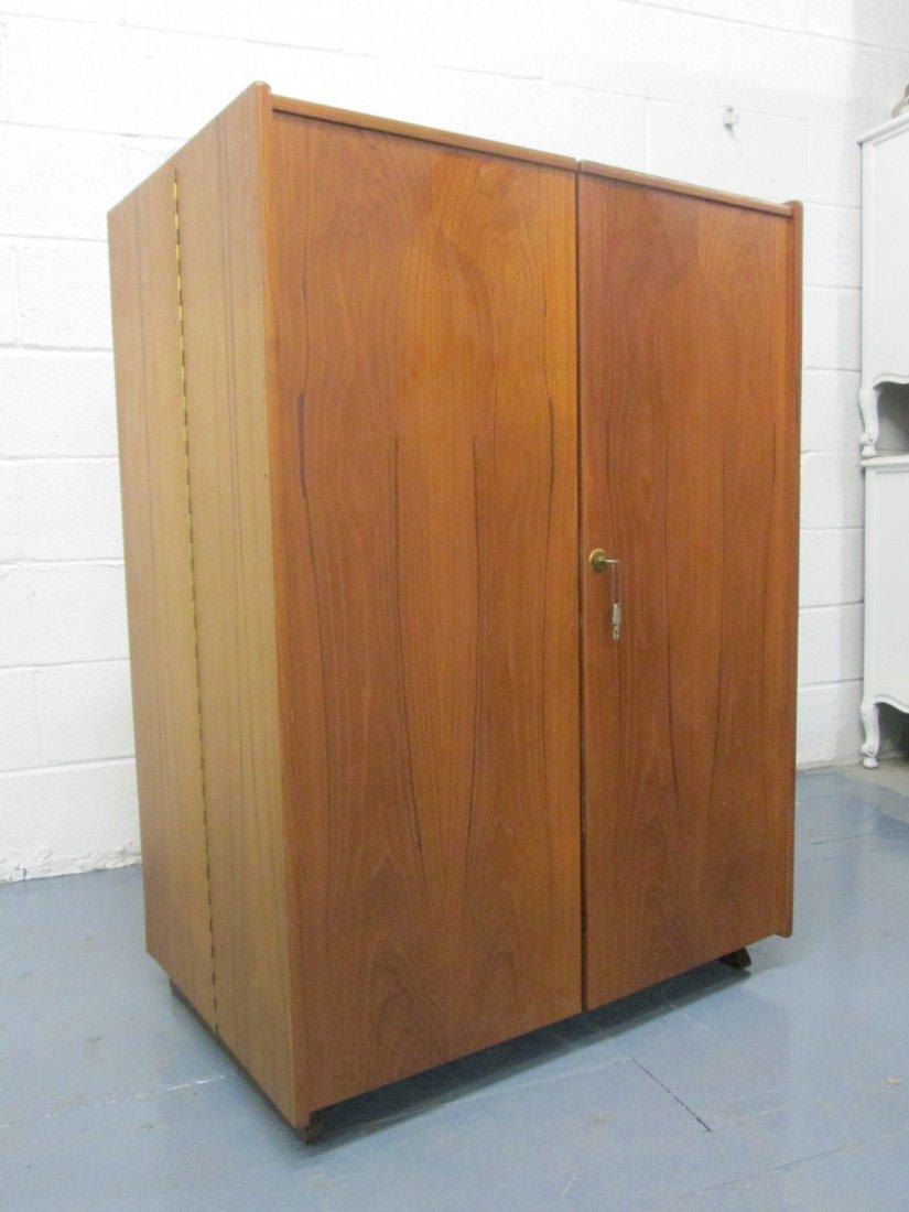 Box Desk by Mummenthaler and Meier - 2