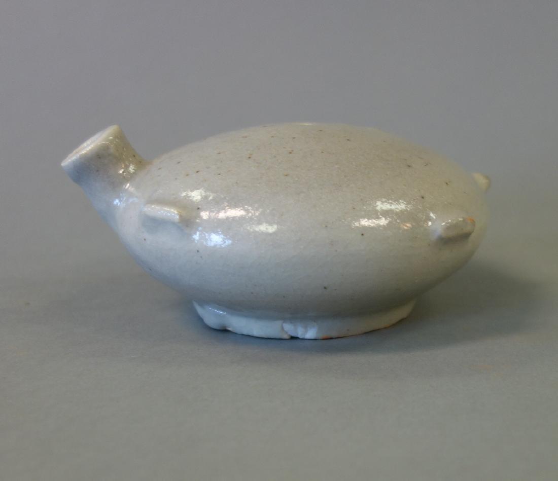 19thc Korean White Glazed Porcelain Water Dropper - 4