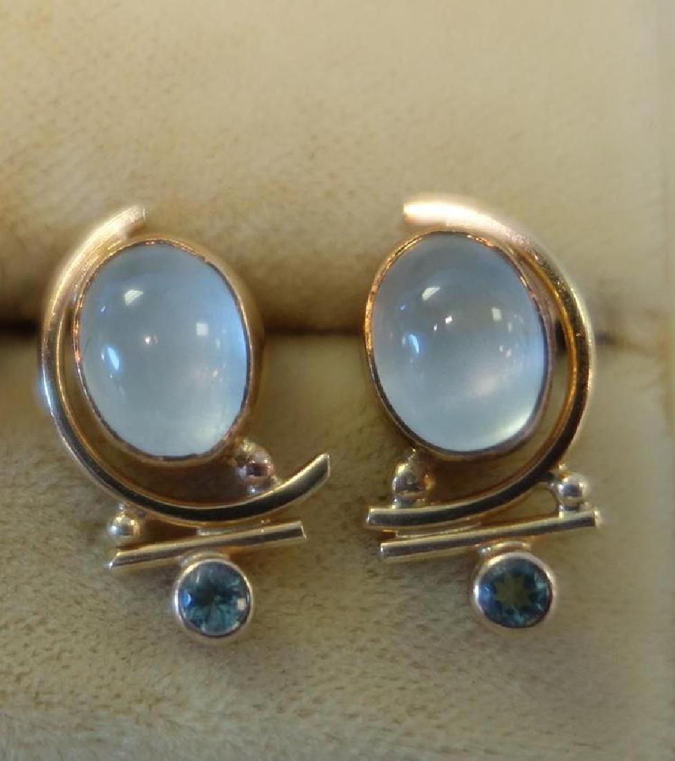 3 Pair of Earrings, Diamond, Moon Stone, Intaglio - 2