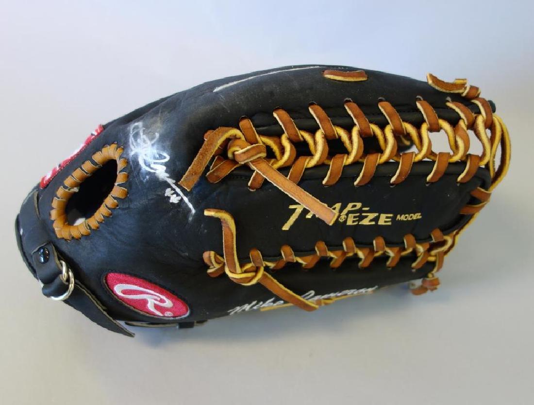 Mike Cameron Autographed Rawlings Baseball Glove - 2