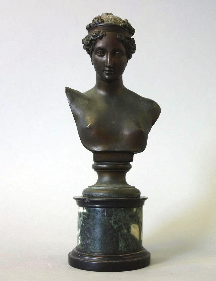 19thc Bronze Model of a Roman Nude Female