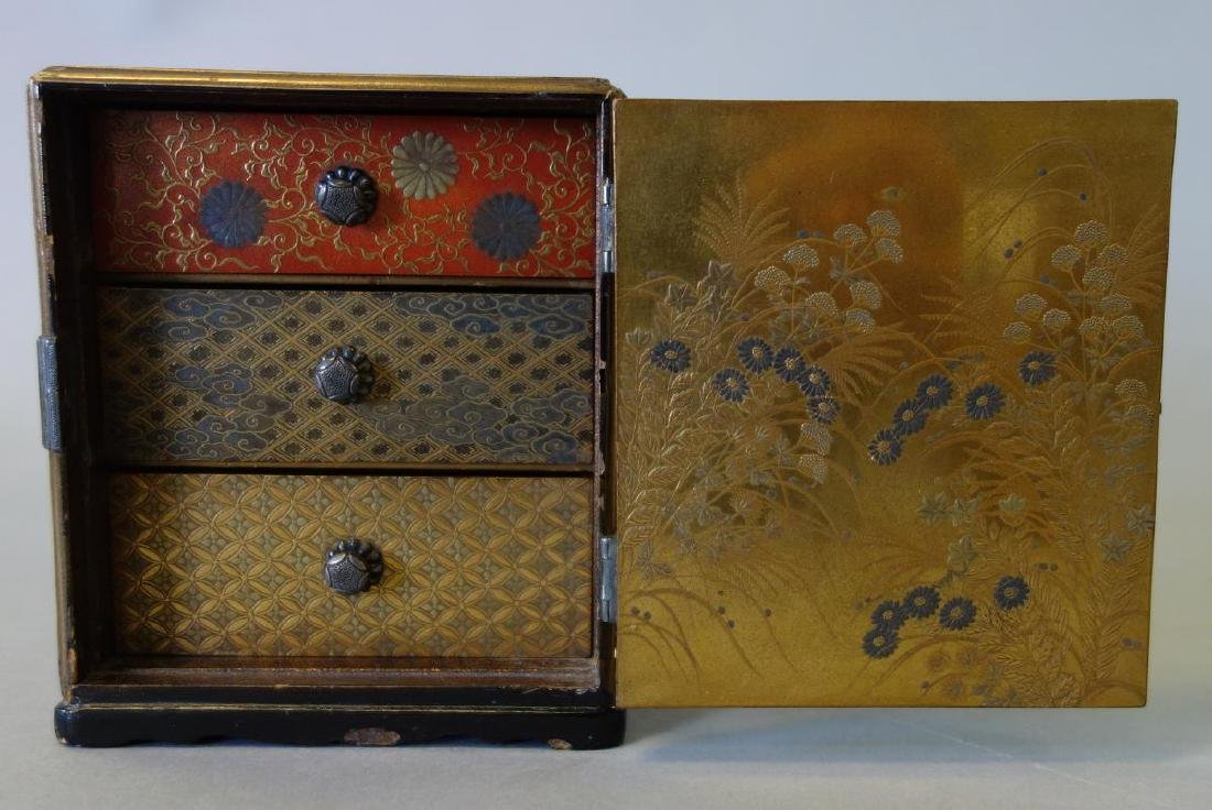Fine Japanese Lacquer Miniature Cabinet, Meiji - 7